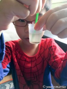 Science experiment on which solids dissolve in water